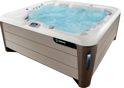 HotSpring-Highlife-2019-Envoy-Alpine-White-Sandstone-with water